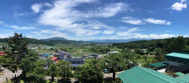 飯綱町旧牟礼西小学校バルコニーからの眺望